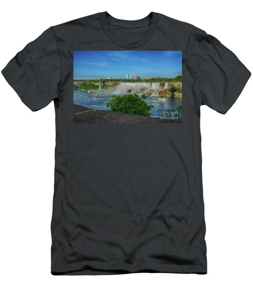 View Of Usa From Canada Men's T-Shirt (Athletic Fit)