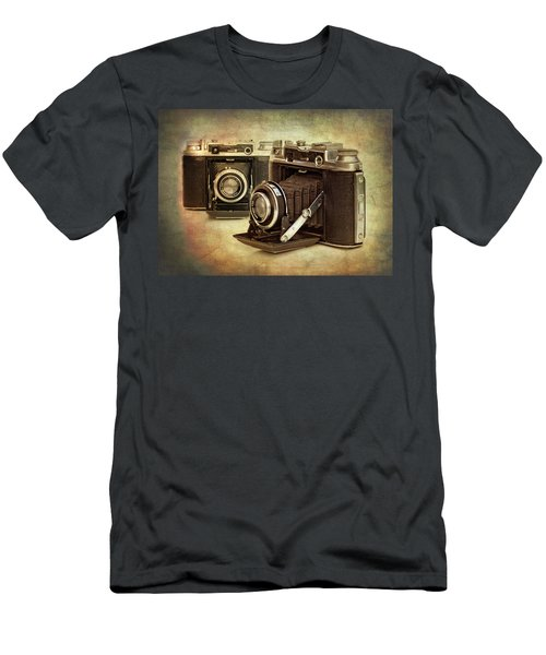 Vintage Cameras Men's T-Shirt (Athletic Fit)