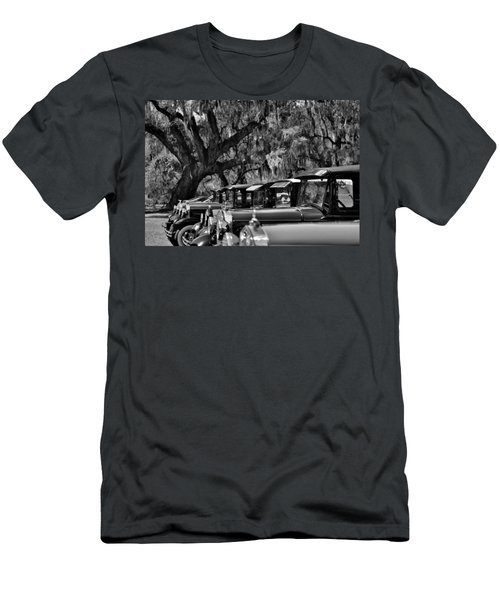 Vintage Ford Line-up At Magnolia Plantation - Charleston Sc Men's T-Shirt (Athletic Fit)