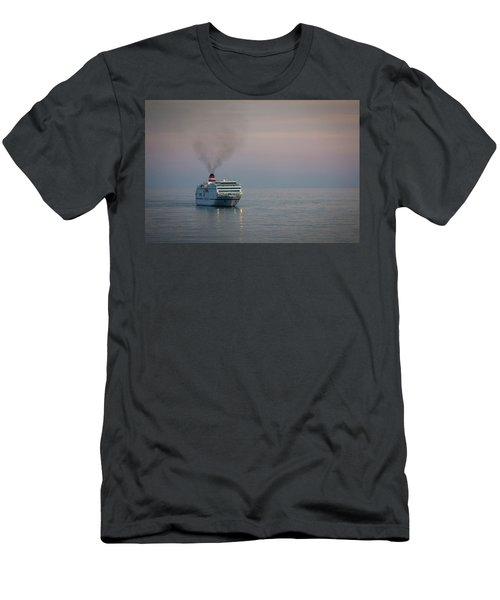 Voyage Home 1 Men's T-Shirt (Athletic Fit)