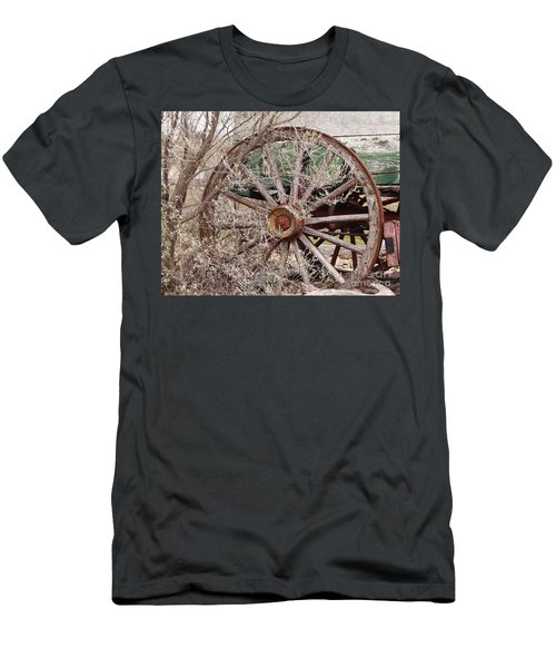 Wagon Wheel Men's T-Shirt (Athletic Fit)