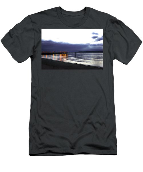 Waiting For The Kingston Ferry Men's T-Shirt (Athletic Fit)