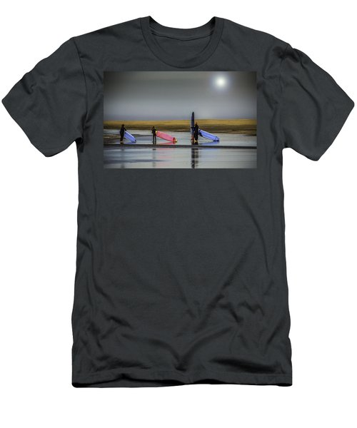Waiting For The Surf Men's T-Shirt (Athletic Fit)