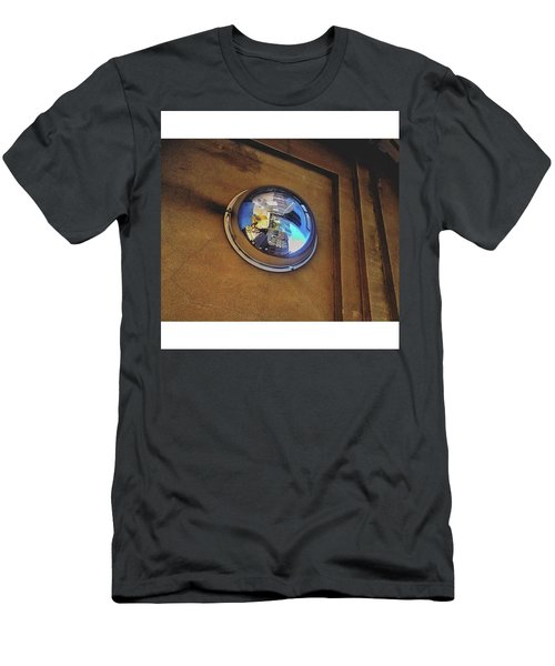 •warped Men's T-Shirt (Athletic Fit)