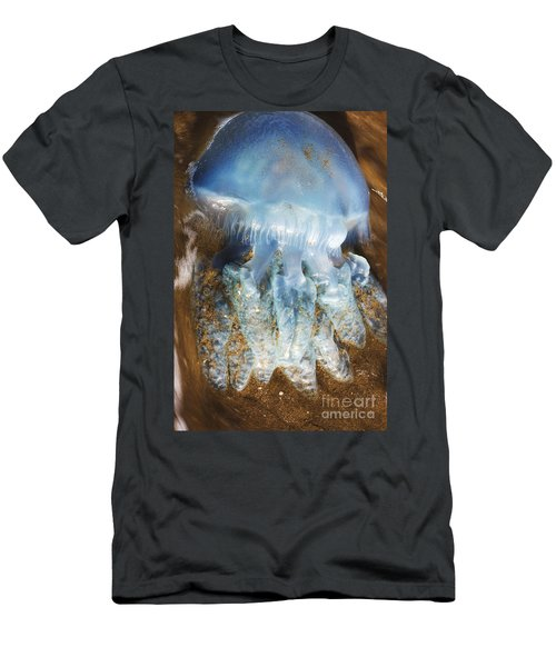 Washed-up Jellyfish Men's T-Shirt (Athletic Fit)