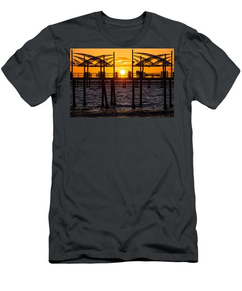 Watching The Sunset Men's T-Shirt (Athletic Fit)