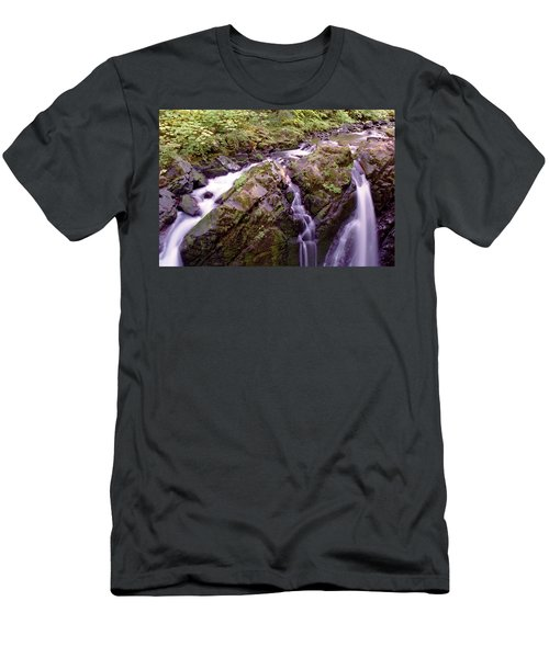 Waterstreaming Men's T-Shirt (Athletic Fit)
