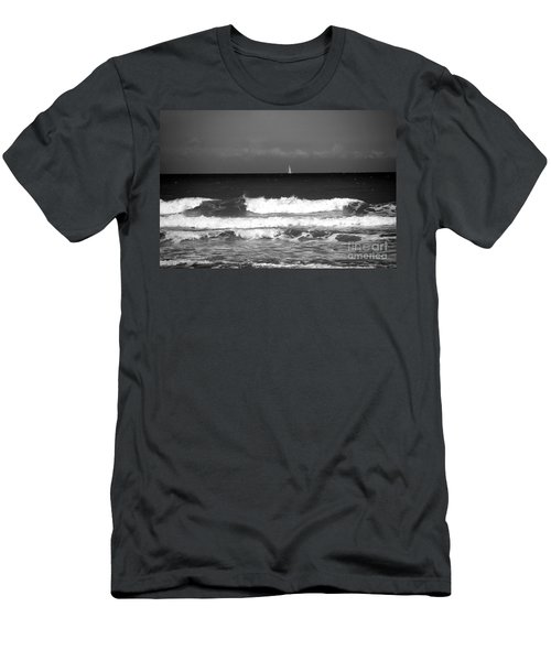 Waves 4 In Bw Men's T-Shirt (Athletic Fit)