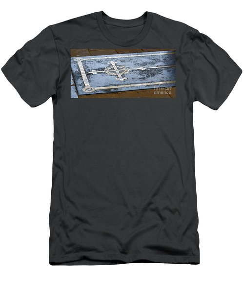 Wells Cathedral Tomb Men's T-Shirt (Athletic Fit)
