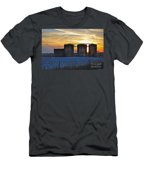 Wellsite Sunset Men's T-Shirt (Athletic Fit)