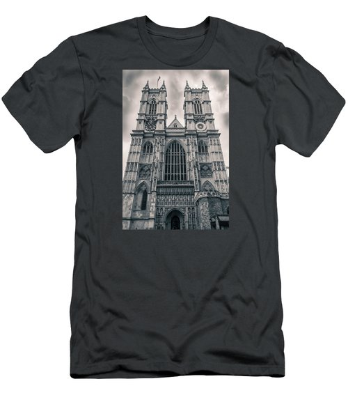 Westminister Abbey Bw Men's T-Shirt (Athletic Fit)
