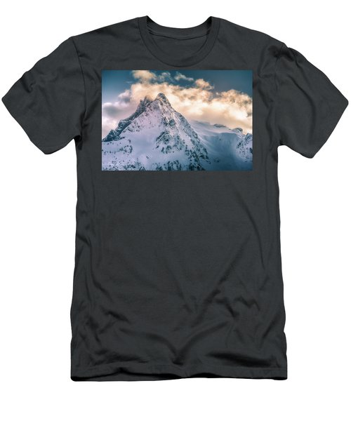 Whitehorse Clouds Men's T-Shirt (Athletic Fit)