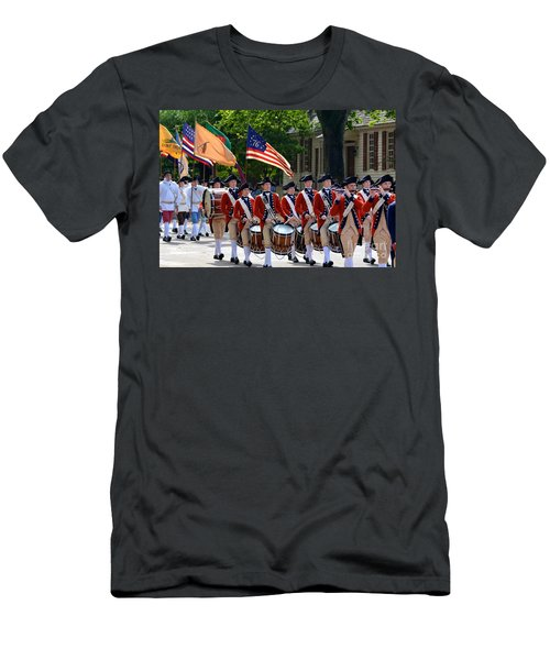 Williamsburg Men's T-Shirt (Athletic Fit)