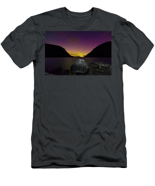 Willoughby Aurora And Boulder Men's T-Shirt (Slim Fit) by Tim Kirchoff