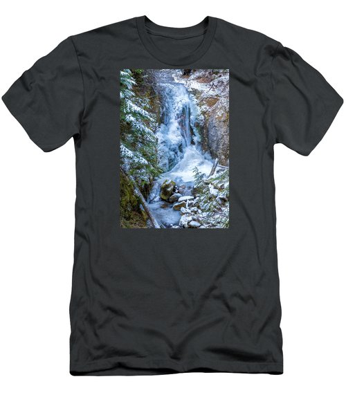 Winter Approaching Men's T-Shirt (Athletic Fit)