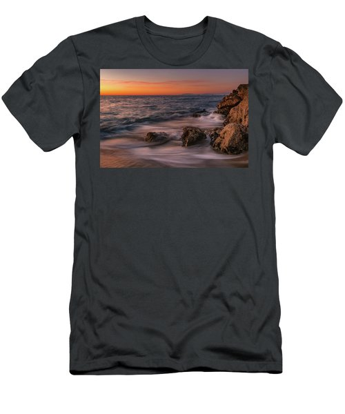 Winter Sea Men's T-Shirt (Athletic Fit)