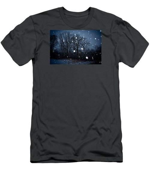 Winter Wonder Men's T-Shirt (Athletic Fit)