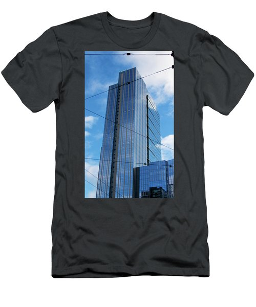 Wired In Seattle - Skyscraper Art Print Men's T-Shirt (Athletic Fit)