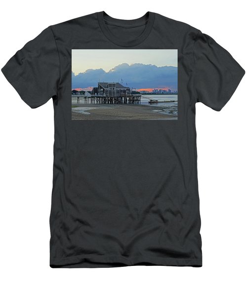 Wollaston Beach Quincy Ma Sunset Boston Skyline Quincy Ma Men's T-Shirt (Athletic Fit)