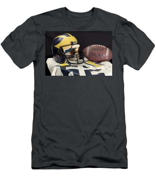 Wolverine Helmet With Jersey And Football Men's T-Shirt (Athletic Fit)