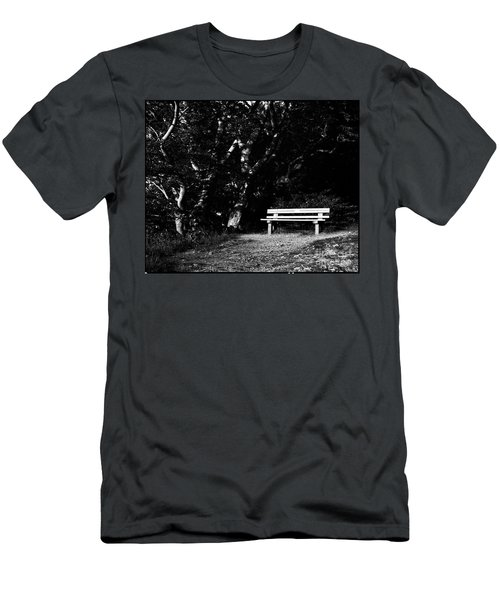 Wooden Bench In B/w Men's T-Shirt (Athletic Fit)