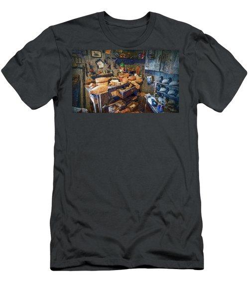 Wooden Decoy Workbench - Textures Men's T-Shirt (Athletic Fit)