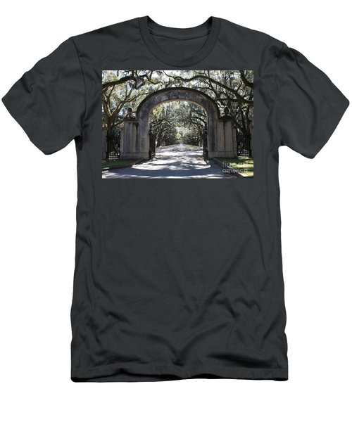 Wormsloe Plantation Gate Men's T-Shirt (Athletic Fit)