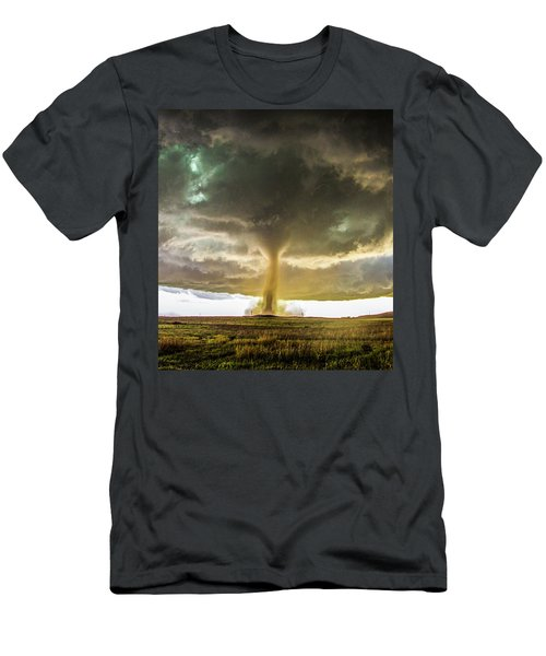 Wray Colorado Tornado 070 Men's T-Shirt (Athletic Fit)