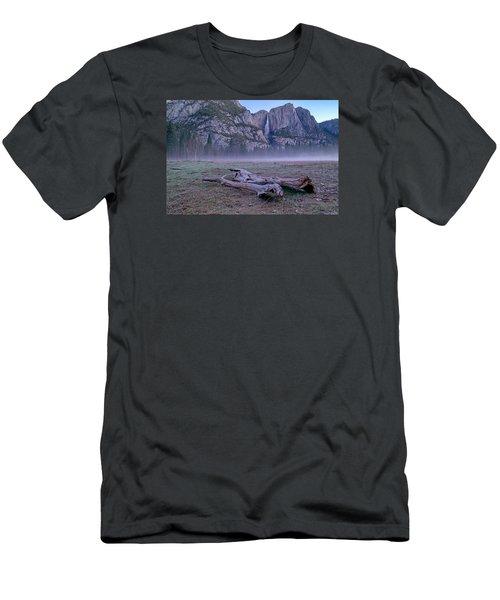 Yosemite Falls Driftwood Men's T-Shirt (Athletic Fit)