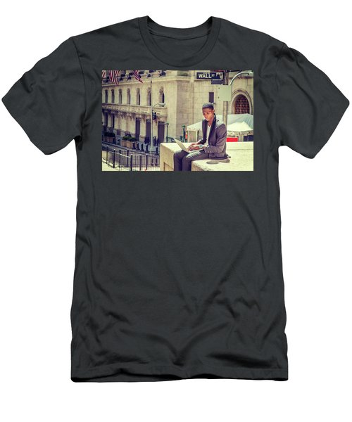 Young African American Man Working On Wall Street In New York Men's T-Shirt (Athletic Fit)