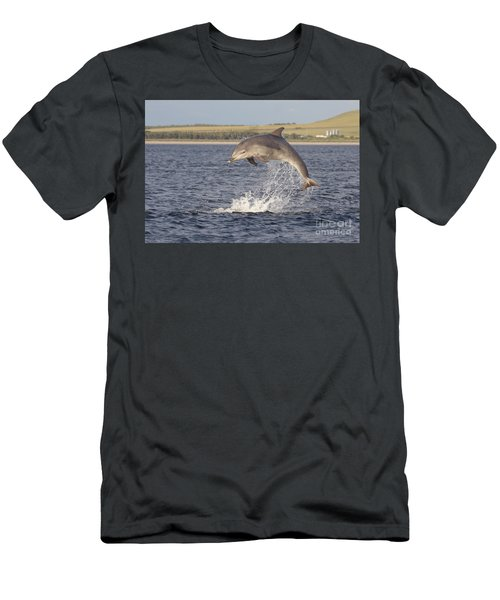 Young Bottlenose Dolphin - Scotland #13 Men's T-Shirt (Athletic Fit)