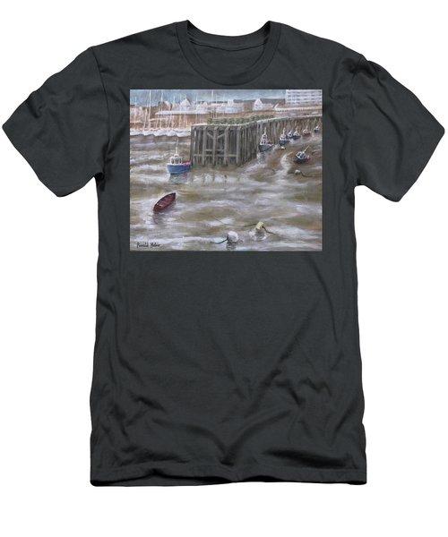 Bridlington Harbour Men's T-Shirt (Athletic Fit)