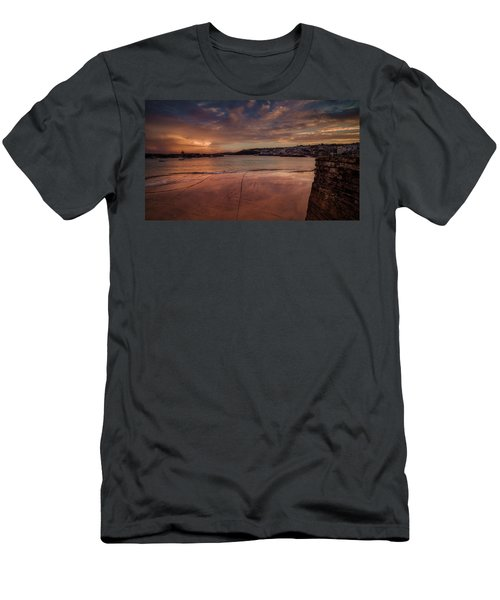 Harbour Sunset - St Ives Cornwall Men's T-Shirt (Athletic Fit)