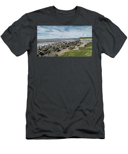 Morecambe. Hest Bank. The Shoreline. Men's T-Shirt (Athletic Fit)