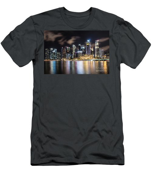 Singapore By Night Men's T-Shirt (Athletic Fit)