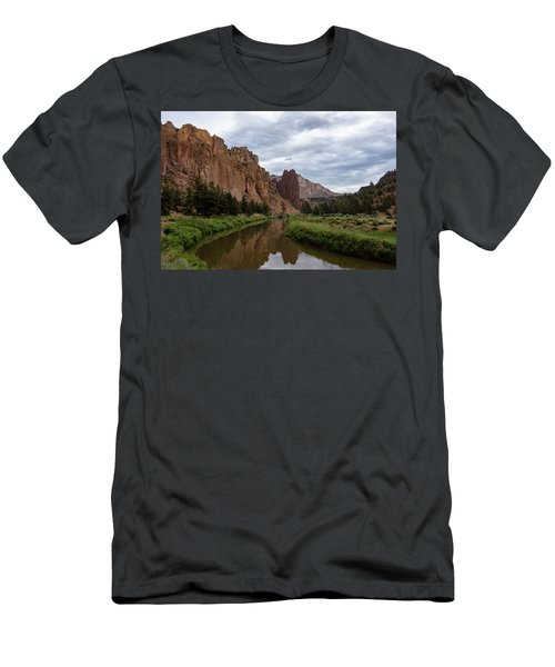 Smith Rock Reflections Men's T-Shirt (Athletic Fit)