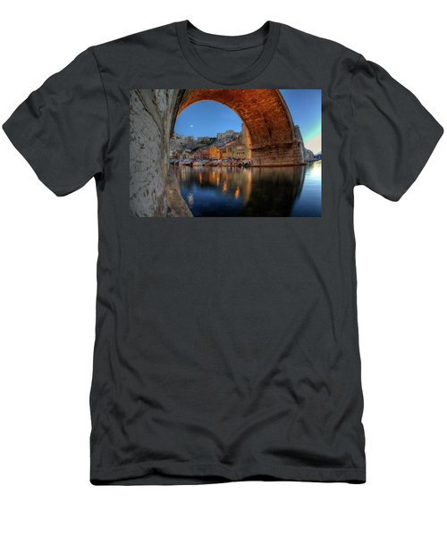 Vallon Des Auffes Men's T-Shirt (Athletic Fit)