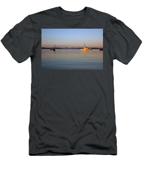 10/11/13 Morecambe. Fishing Boats Moored In The Bay. Men's T-Shirt (Athletic Fit)