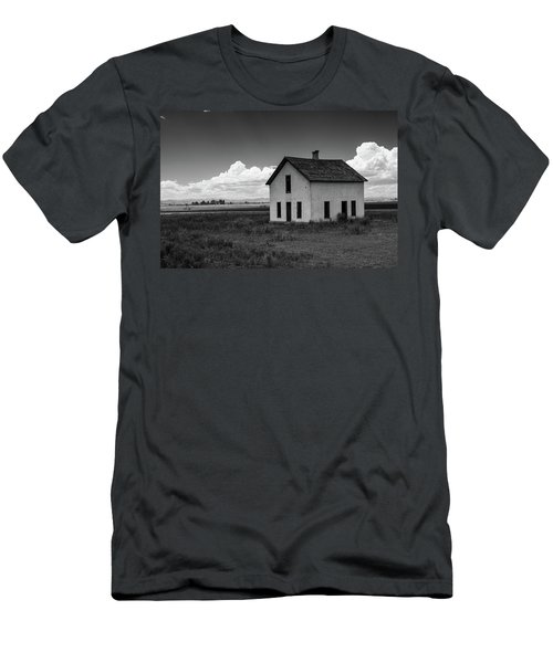 Old Abandoned House In Farming Area Men's T-Shirt (Athletic Fit)
