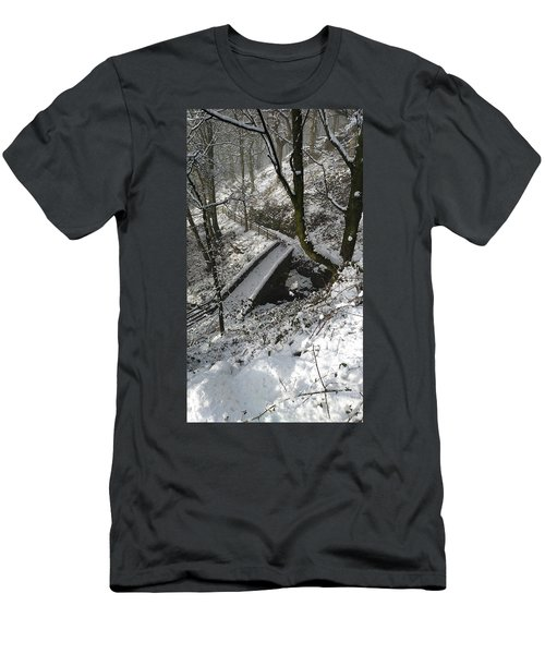 30/01/19  Rivington. Cascade Bridge. Men's T-Shirt (Athletic Fit)