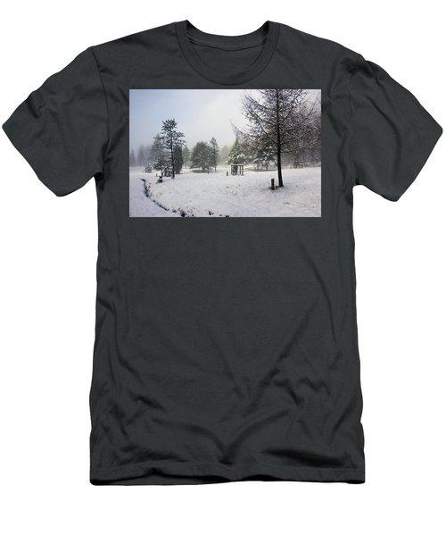 30/01/19  Rivington. Memorial Arboretum. Men's T-Shirt (Athletic Fit)