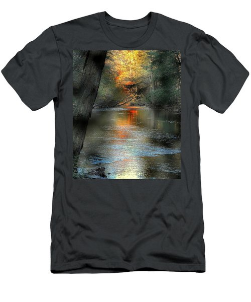 And Autumn Comes  Men's T-Shirt (Athletic Fit)