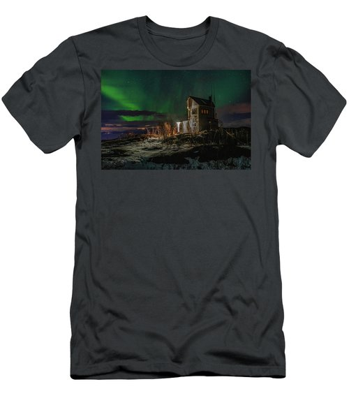 Aurora Over The Radio Station Men's T-Shirt (Athletic Fit)