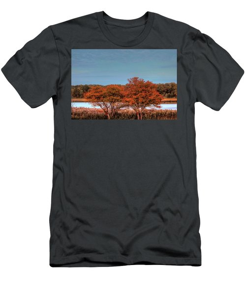 Autumn Bristol Ri Men's T-Shirt (Athletic Fit)