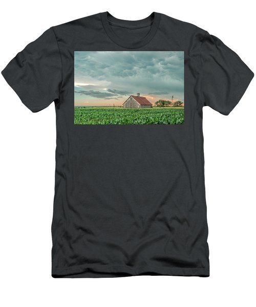 Barn In Sunset Men's T-Shirt (Athletic Fit)