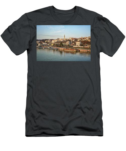 Belgrade Cityscape Men's T-Shirt (Athletic Fit)