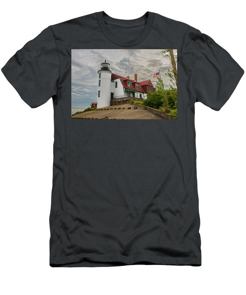 Bestie Point Lighthouse  Men's T-Shirt (Athletic Fit)