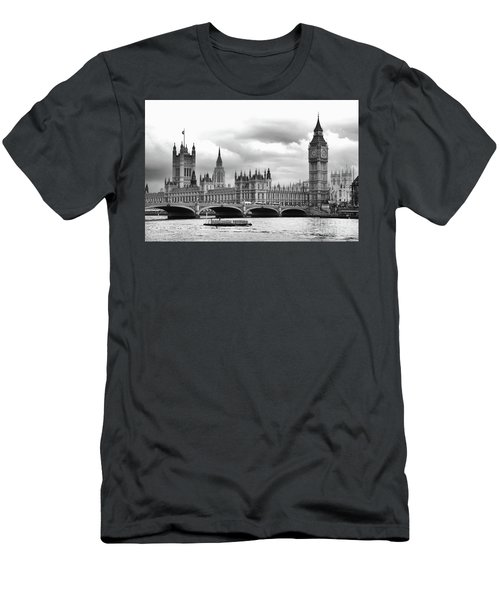 Big Clock In London Men's T-Shirt (Athletic Fit)