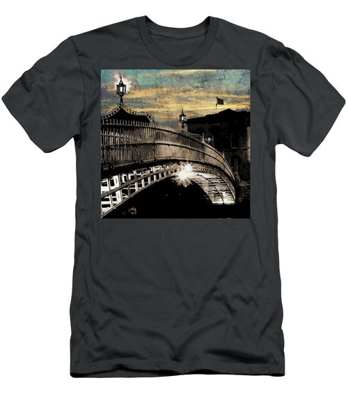 Bridge IIi Men's T-Shirt (Athletic Fit)