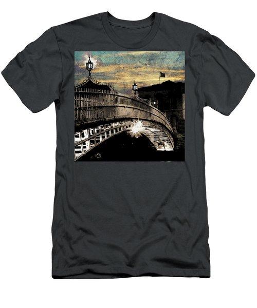 Bridge IIi Men's T-Shirt (Athletic Fit)
